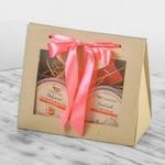 """подарочный набор """"Десерт""""(ассорти мыльных скрабов для тела 10 сердечек по 10г:ваниль,шоколад,клубника,малина,папайя,питахайя,красный грейпфрут,кофе,гуава,апельсин+мыло """"Пирожное""""+соль для ванн """"Индонезийский кокос"""")"""