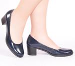 Женские лаковые туфли на каблуках