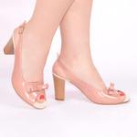Женские лаковые босоножки на каблуках
