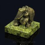 Черепахи из бронзы на подставке из змеевика 45*45*45мм, 160гр. Артикул:1311063