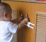 Детский замок на дверцы шкафа