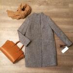 Зимнее пальто прямого силуэта с втачным рукавом