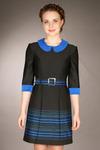Платье с синим воротником