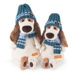 Бартоломей в голубой шапке и шарфе