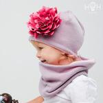 Утепленная демисезонная шапка с огромным цветком (цвет в ассортименте)