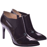 Женские лаковые ботинки на каблуке