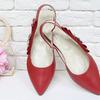 Туфли на низком ходу, с открытой пяткой, выполнены из натуральной кожи красного цвета, с яркой фурнитурой золотого цвета с камнями, Т-17426-06