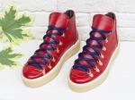 Спортивные ботинки ярко-красного цвета, из натуральной коже флотар, с большими металлическими подшнуровками, на прорезиненной бежевой подошве, Т-17406-02