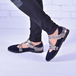 Женские замшевые туфли с декором