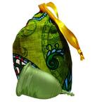 """Lilacup зеленая (размеры S, L) в котомочке - серия """"Русские узоры"""" (цвет котомочки в ассортименте)"""