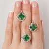 Серебряное кольцо с фианитом зеленого цвета 020