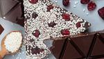 Горький шоколад с клюквой и кунжутом