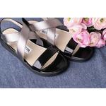 Стильные черные сандалии с серебренной резинкой.