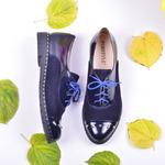 Женские комбинированные туфли на шнуровке