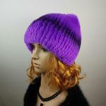 "Меховая шапка ""Киска"" цвет фиолетовый, мех кролик рекс Подробнее: https://xn-----7kcgobxpmiohaje2czb8cyc.xn--p1ai/p306891985-mehovaya-shapka-kiska.html"