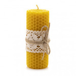Свеча из пчелиного воска с кружевом большая