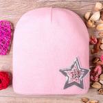 Шапка формы лопата, вязаная, подклада флис, звезда из пайеток, страз и бусин, розовая