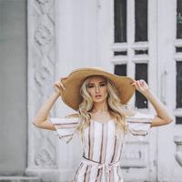 0573. Платье