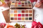 Тени профессиональная палетка Makeup Revolution Soph X Extra Spice 18 цветов