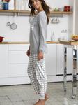 Длинная пижама с клетчатыми брюками