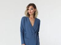 Платье на запах с асимметричным низом
