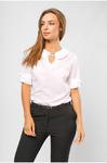 Блуза с брошью