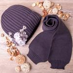 Набор: Шапка вязаная на флисе,цветы + шарф ,темно-серый