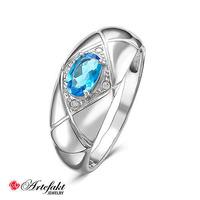 Серебряное кольцо с голубым фианитом - 586