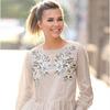 Блузка с цветочной вышивкой и рюшами