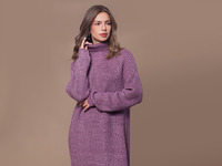 Теплое платье крупной вязки с атласной нитью в пряже  Цвет: лиловый   Артикул: D32.072